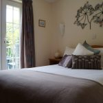 chestnut-mews-jasmine-cottage-master-bedroom-isle-of-wight